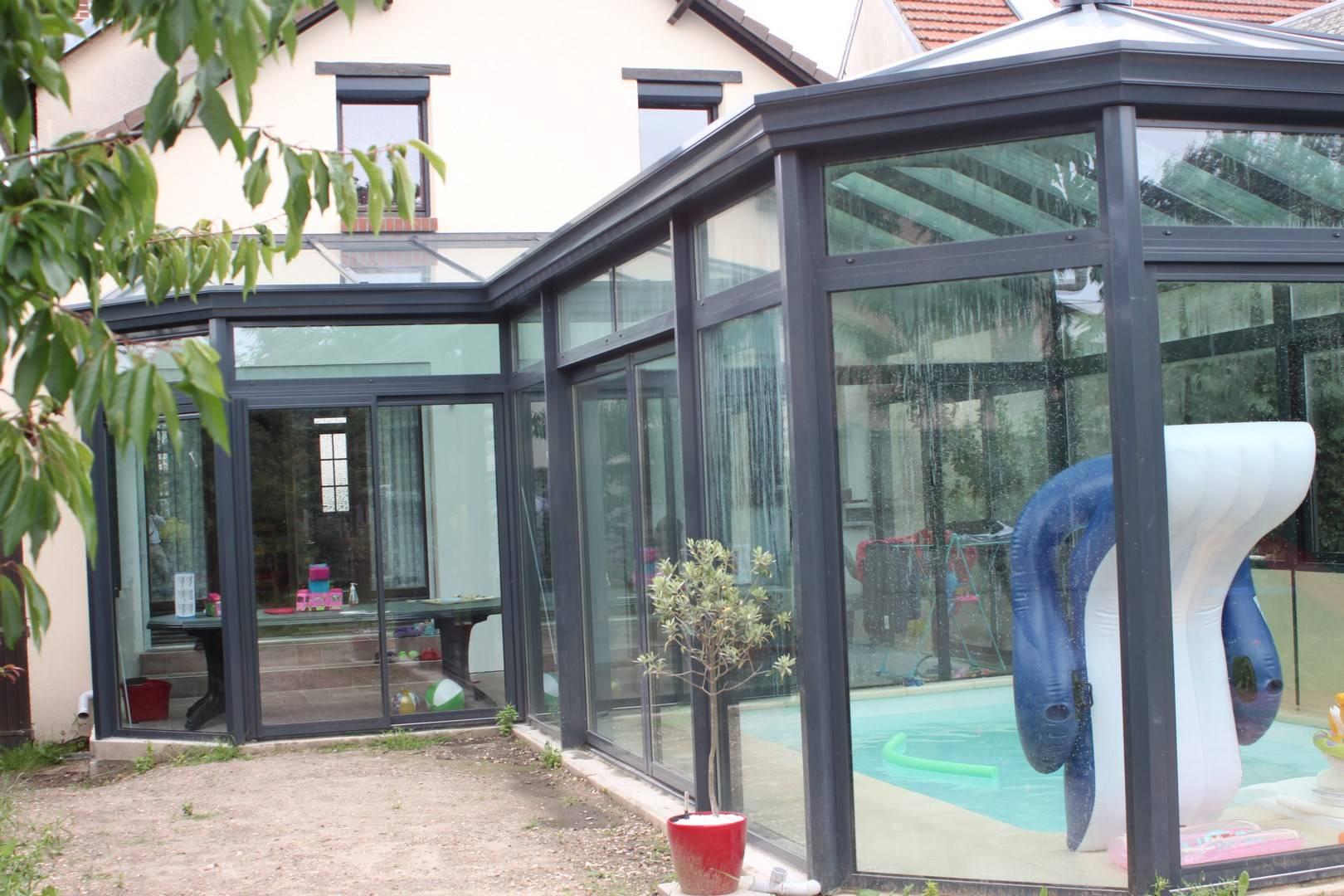 Faire construire une véranda sur mesure pour abriter une piscine en Seine maritime 76 - Etanel